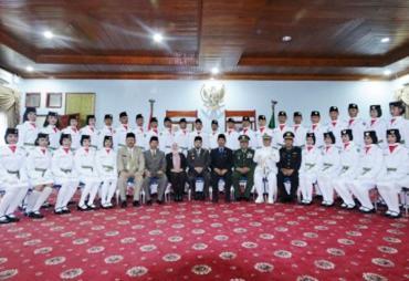 Walikota Bengkulu Kukuhkan 30 Anggota Paskibra Kota Bengkulu