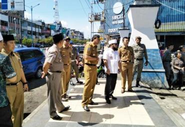 Walikota Helmi Hasan Tinjau BPRS Fadhilah