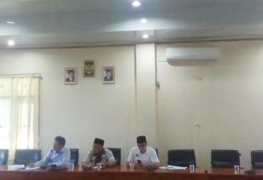 Komisi III DPRD Kota Hearing Dengan PGRI Terkait Tuntutan…