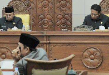 Banggar DPRD Provinsi Setujui Raperda APBD-P Provinsi…