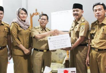 Disdikbud Provinsi Bengkulu Serahkan Bantuan Dana Untuk…