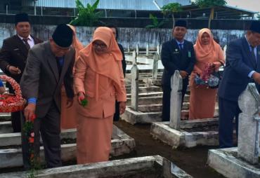 Kemenag Provinsi Bengkulu Ziarah Makam Pahlawan Peringati…