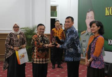 TNI dan Pemerintah Daerah Bersinergi Membangun Daerah
