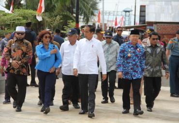 Jokowi Kunjungi Pemukiman Nelayan Sumber Jaya Bengkulu