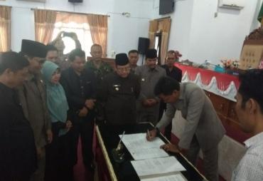 Paripurna Penandatanganan Pembentukan Perda Kabupaten…