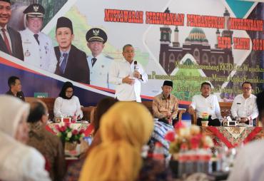 Demokratis,  Menteri Eko Apresiasi Musrenbang RKPD 2020 di…