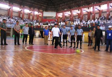 Gubernur Apresiasi Turnamen Futsal Bersama AMBO