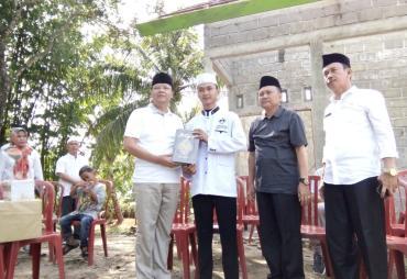 Gubernur Bantu Pesantren dan Penyandang Disabilitas di…