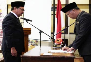 Komisaris Utama Independen Bank Bengkulu Dilantik