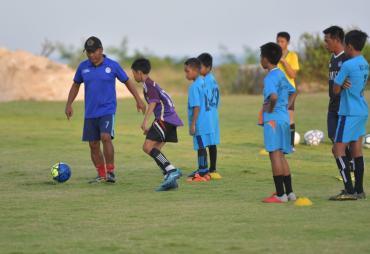 Dibangun dari Dana Desa, Lapangan Sepak Bola Desa Kutuh…