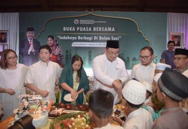 Pererat Silaturahmi, Kemendes PDTT Buka Bersama Anak Yatim