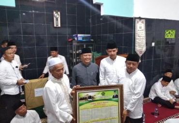 Safari Ramadhan Di Kaur, Gubernur Berikan Bantuan Ke Masjid