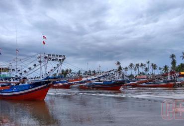 Nelayan Bengkulu Selatan Dibantu Perahu Tempel