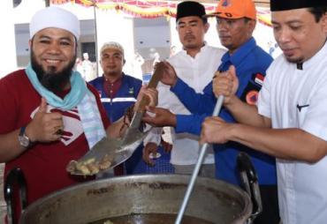 Cerita Dibalik Makan Akbar 1440 Nampan Nasi Kebuli