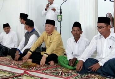 Kunker Ke Kaur, Gubernur sholat Jumat dan Silaturahmi…