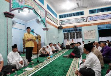 Safari Subuh , Gubernur Kagum Suasana Masjid Yang nyaman