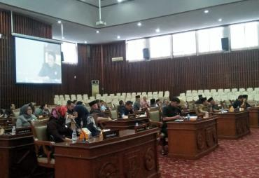 DPRD Provinsi Gelar Rapat Paripurna Pembentukan Fraksi ,…
