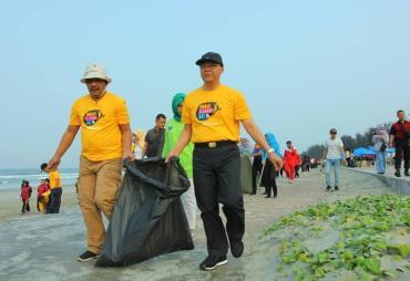 Apresia Lieder World Cleanup Day Untuk Gubernur Bengkulu…