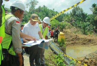 Gubernur Rohidin Terus Genjot Pembenahan Infrastruktur