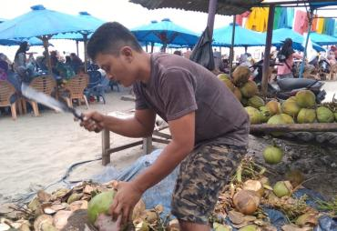 Pembangunan Wisata Dinilai Lebih Baik,  Pedagang Pantai…