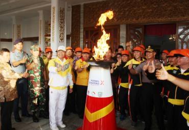 Api Abadi Torch Relay Porwil Sumatera X Tiba di Kota…