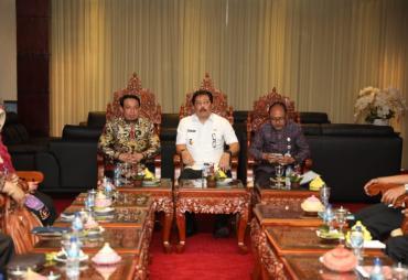 Kunker ke Bali, Dedy Wahyudi Amati Program Entaskan…