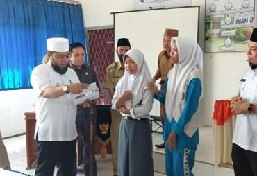 Walikota dan Wawali Launching e- KTP di SMAN 6