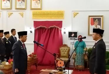 Gubernur Lantik Hamka Sabri Sekda Definitif