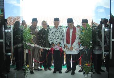 Gubernur Rohidin Resmikan Laboratorium STIKES Tri Mandiri…