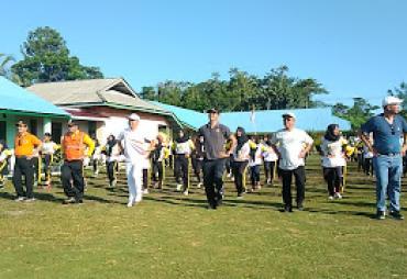 Gubernur Rohidin Senam Germas Bersama Ratusan Pelajar…