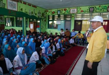 Gubernur Rohidin Dorong Siswa Tingkatkan Iman agar…