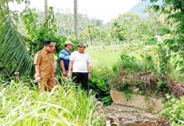 Sering Dikeluhkan Petani, Ketua DPRD Lebong Tinjau Irigasi…