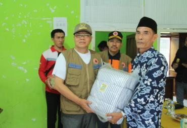 Gubernur Rohidin Serahkan Bantuan 128 KK Terdampak Banjir…