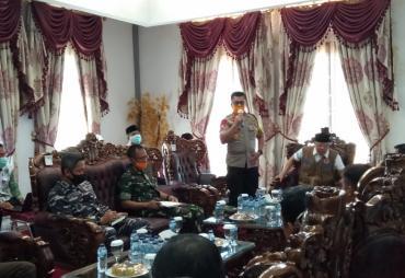 Rapat Terbatas Bersama FKPD di Mukomuko, Gubernur Sampaikan…
