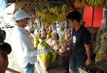 Kunjungi dan Beli Jajanan Khas Kepahiang, Gubernur Rohidin…