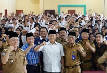 Kesejahteraan GTT/PTT Meningkat, Gubernur Rohidin Dibanjiri…