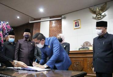 DPRD Provinsi Bengkulu Sahkan Perda APBD 2020