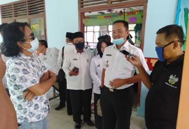 Kadisdik Lamsel Silaturahmi Monev KBM During dan Luring