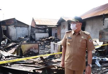 Beri Semangat, Gubernur Rohidin Kunjungi Keluarga Kebakaran…