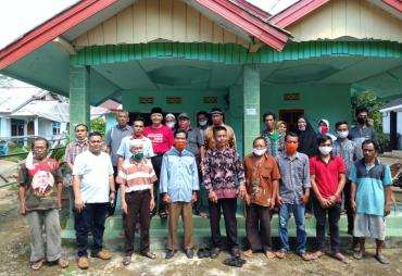 Silaturahmi di Desa Teluk Ajang BU, Gubernur Rohidin…