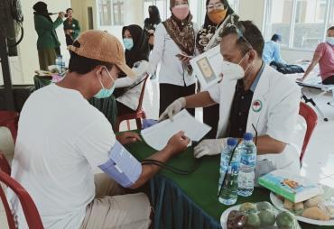 Mahasiswa KKN UIN Raden Intan Gelar Donor Darah