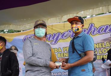 Gubernur Rohidin Beri Perlindungan Nelayan dengan Bagikan…