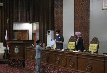 Penyampaian Nota Penjelasan Gubernur Bengkulu tentang…