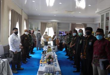 Gubernur Rohidin: Pastikan Masyarakat Bisa Mengakses Bansos…
